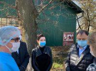 Княжицький передав чергову партію захисних костюмів від Порошенка лікарям Франківщини