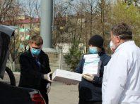 Третю партію захисних костюмів від Порошенка передали лікарням Вінниччині