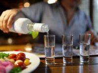 Держстат повідомив, які країни найбільше п'ють української горілки