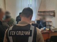 Поліція ліквідувала канал постачання контрафактного алкоголю і тютюну з ОРДЛО
