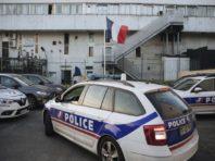 У Парижі автомобіль врізався в терасу кафе: один загиблий