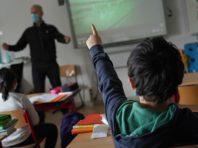 Кабмін змінив умову роботи шкіл під час карантину. Потрібно 20% вакцинованих